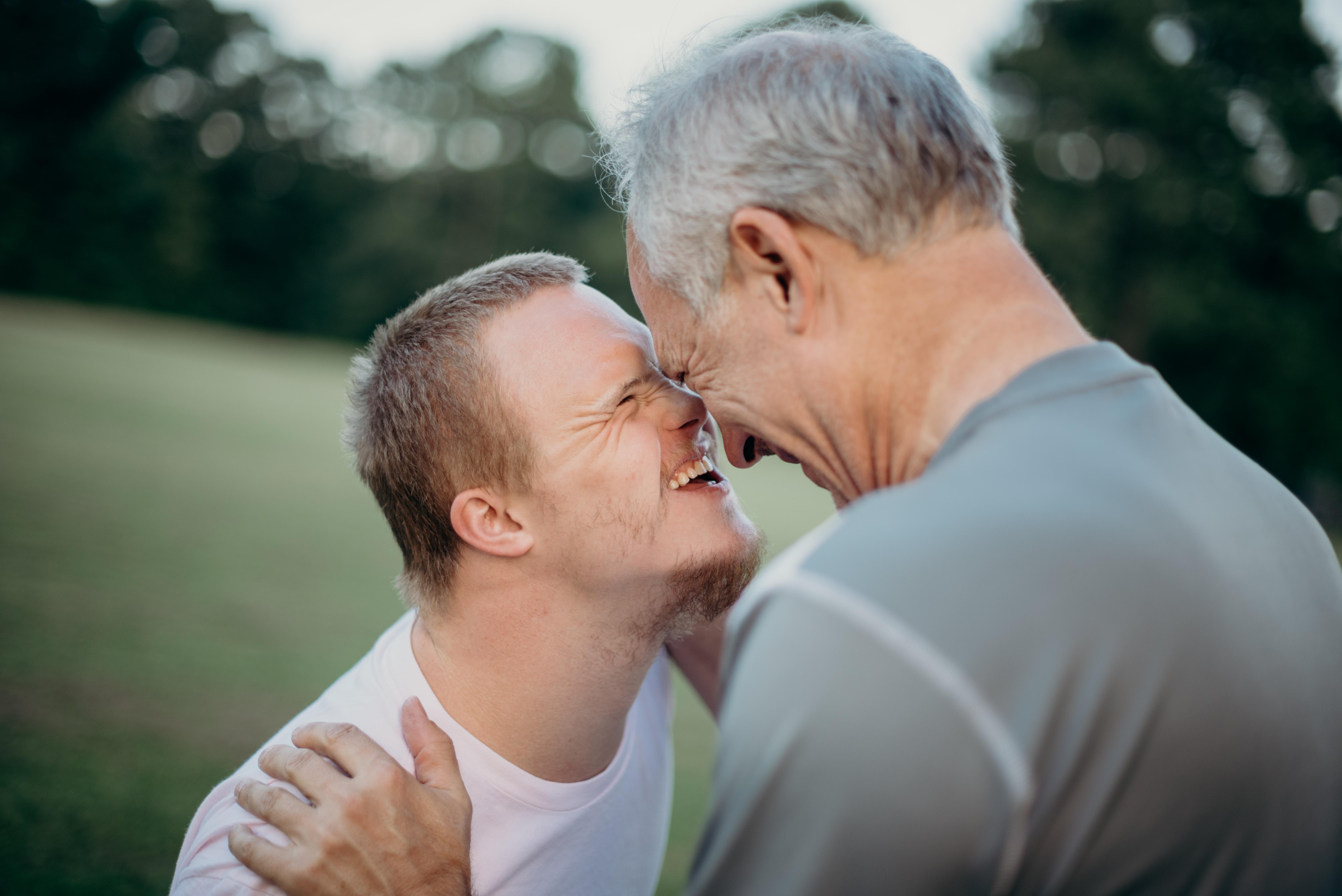 Handikappad kille och pappa